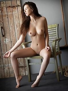 Alisa amore alisa amore debuts in metart showcasing her cute face and nubile body