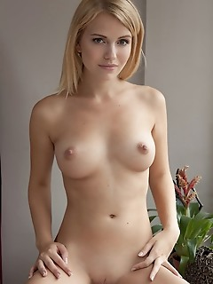 Pics nude free free pictures of nude women