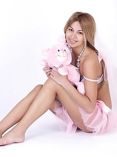 Erotica innocent teen girls russian teen softcore free in pink