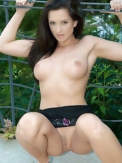 Ultra sexy brunette with round and firm fleshy bits.