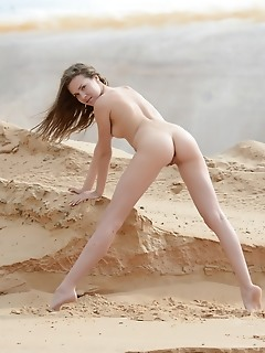 Wonderful free pictures of naked younger xxx photos free