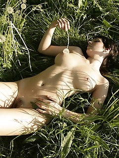 Sunbathing softcore photography gallerys for free
