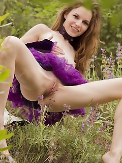 Sofi shane sofi shane sensually strips outdoors as she bares her unshaven pussy.