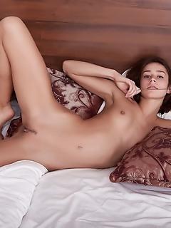 Stunning naked girl