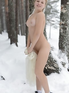 Nudity in the frost