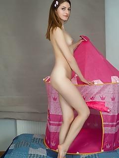 Slender hottie naked