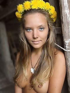 Free euro teen erotica gallery pics hairy teen thumbs legal teen female free nude pics links