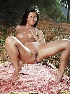 Zelda b zelda b flaunts her sexy, sweaty body as she eats her creamy strawberry outdoors.