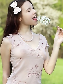 Pretty amour angels pics teen model free pics undressing