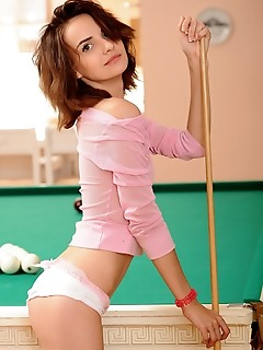 Mary kate newcomer mary kate flaunts her slender bodyon the pool table