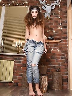 Lovely naked girl