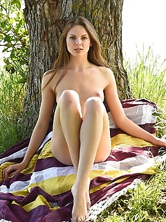 Cheyanna newcomer cheyanna bares her slender body as she playfully swing outdoors.