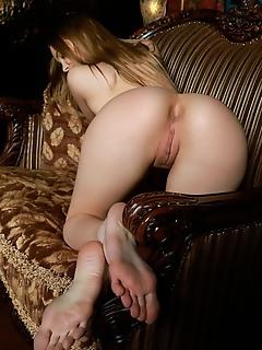 Carolina sampaio carolina sampaio flaunts her gorgeous curves and yummy pussy on the sofa.