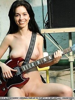 Gorgeous newcomer with cuppable breasts and smooth, shaven labia.