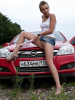 Free pictures of perfectly sex posing near car