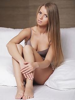 Erotica tasteful nudes pretty erotic naked girls softcore girls photos pretty erotic naked girls