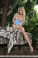 Isabella d isabella d flaunts her luscious body and delectable tits outdoors.